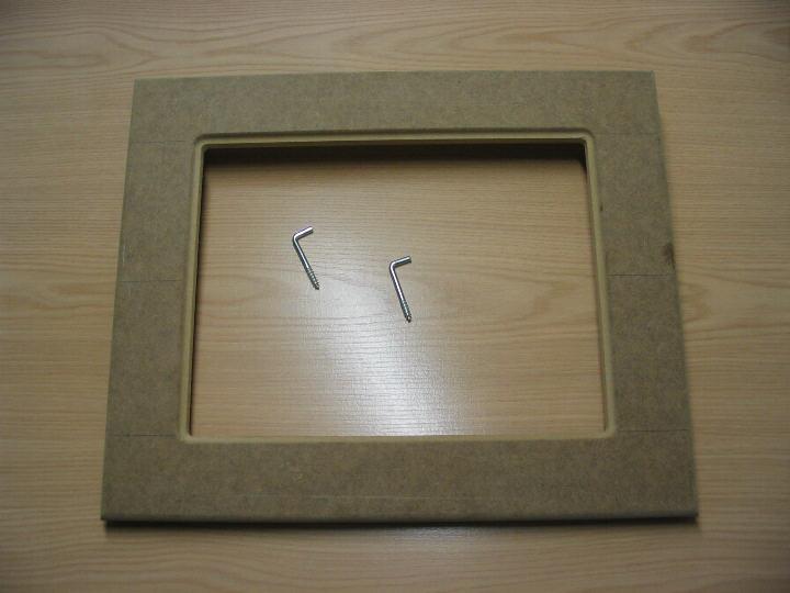 Hooking Frames The Mdf Frame With Hooks